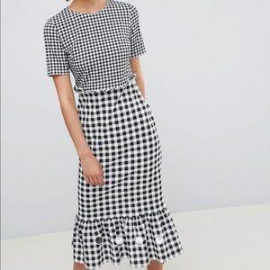 Black and white midi dress checkered/plaid look